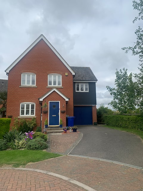 Lovely clean friendly home in a quiet location B+B