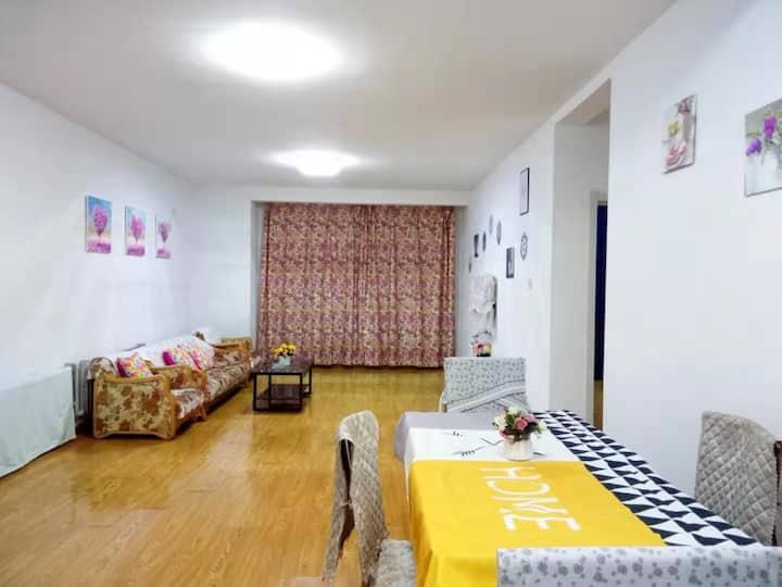 西安大路隆都翡翠湾三室二厅148平温馨舒适阳光雅居  预定请先咨询