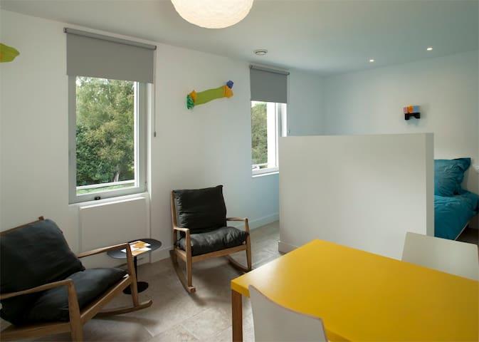 Studio tout équipé confortable et moderne - Clairefontaine-en-Yvelines - Otros