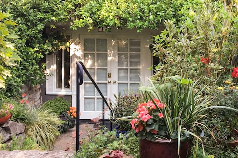 City Garden Retreat in Vibrant Walkable Neighborhood
