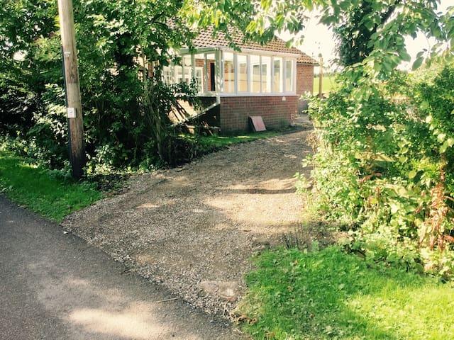 Garden Cottage Denton