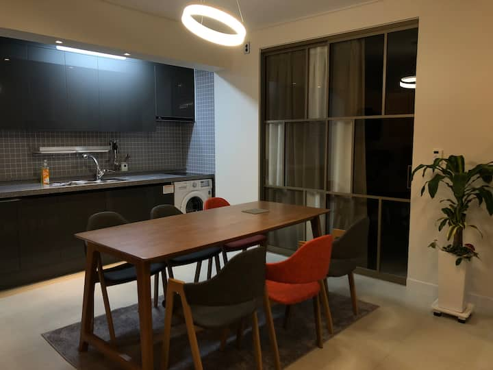 《달빛하우스》  까페처럼 예쁜집 주택1층전체 (침실3) #광안리해수욕장5분 #민락회센타