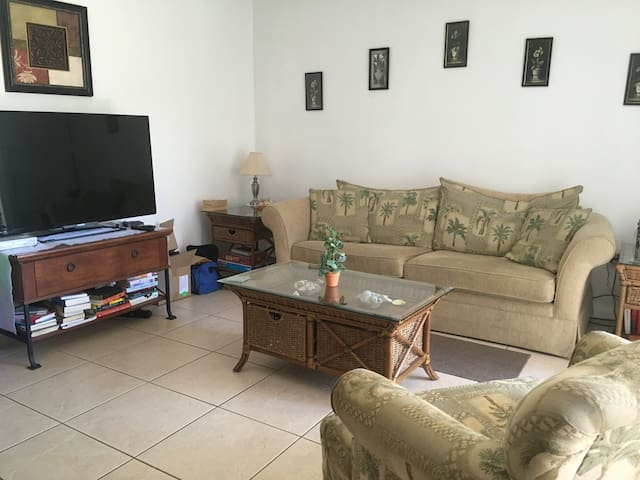 Cocoa Beach Condo Conveniently located - Cocoa Beach - Appartement