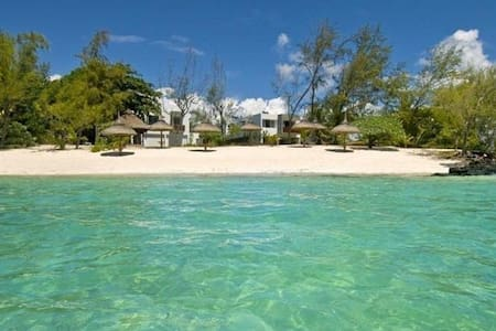 So Beach - Luxury Villa with Private Beach - Roches Noires
