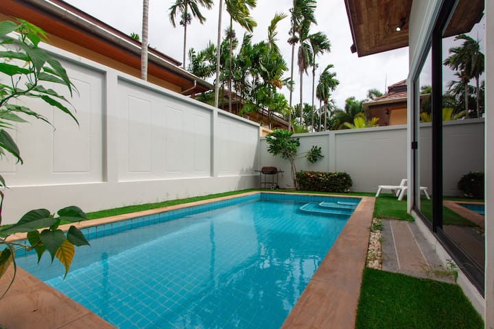 Pool Villa Luna 3 bedrooms in Chalong Phuket