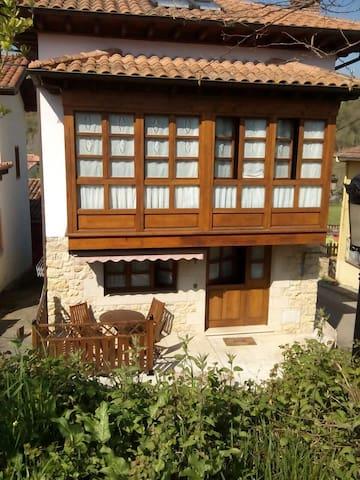 CANGAS DE ONIS RÍO SELLA Y PARADOR - Villanueva  - House