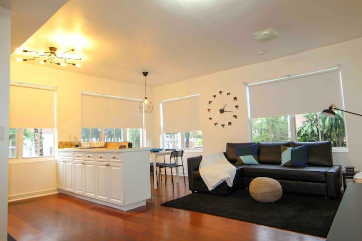 Wynwood's coolest art apartment!!