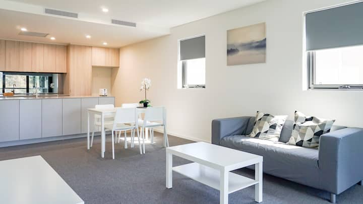 Cosy CBD Range 2Br Apartment With Free Parking