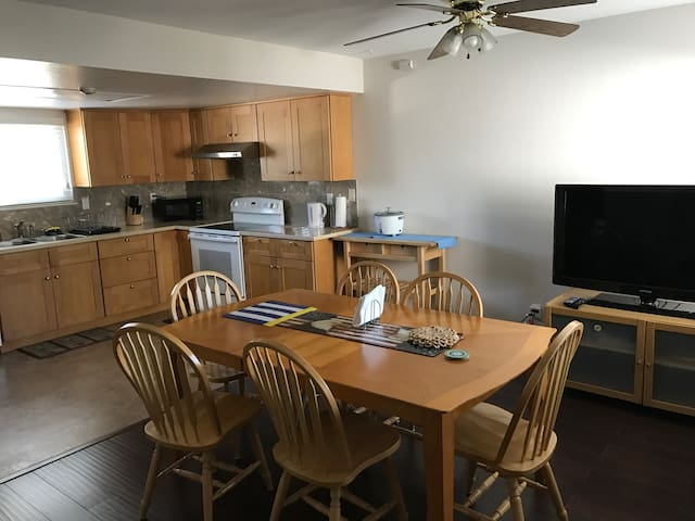 Cozy and Remodeled Townhome in Silicon Valley - Newark