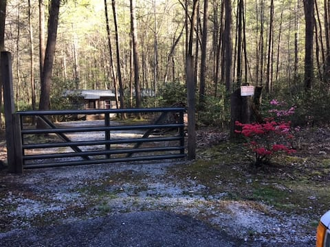 Cottage on the Creek-MariettaSC/Greenville/TryonNC