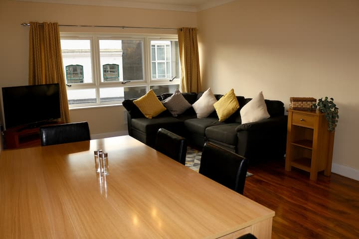Freshly renovated apartment with on-site parking