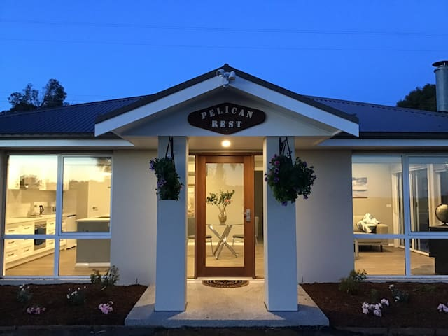 Pelican Rest,Couples Retreat,Ocean Views,Inverloch
