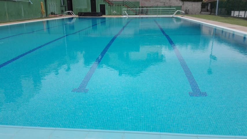 Apartamento con piscina en zona playa Sta. Cruz.