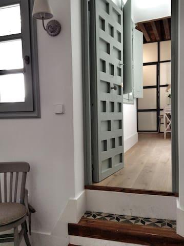 puerta acceso a la suite 3