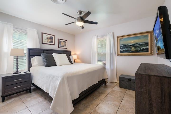Sage Suite I - Safe, Clean & Comfy (Pet Friendly)*