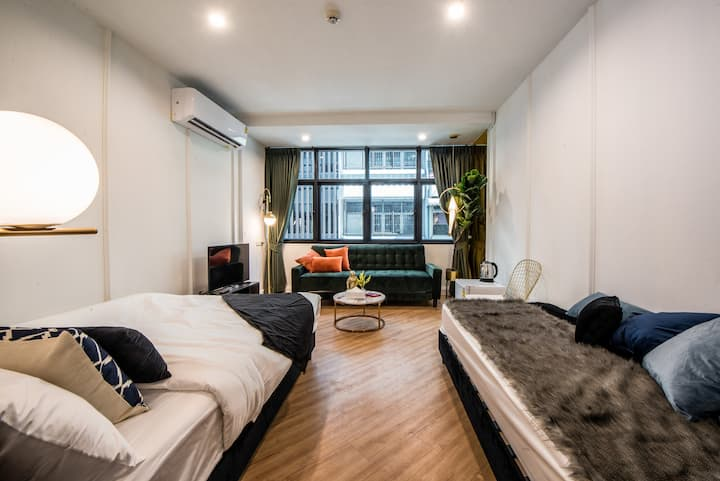 T1b ☆ Modern Room w/ Balcony☆upto 4 Boutique Hotel