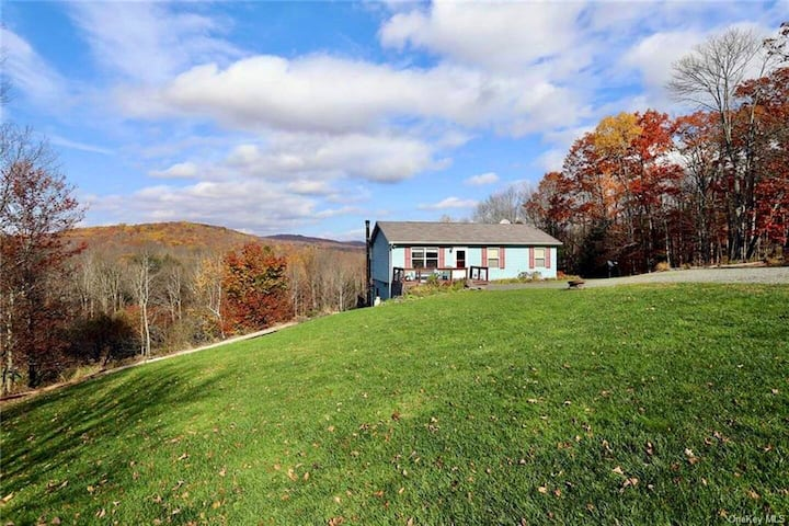 Quaint Cottage on 14 Private Acres in Callicoon