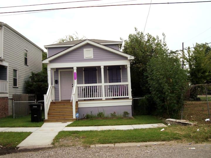 Cozy Family Home Near Tulane U.  – Garden Dis.