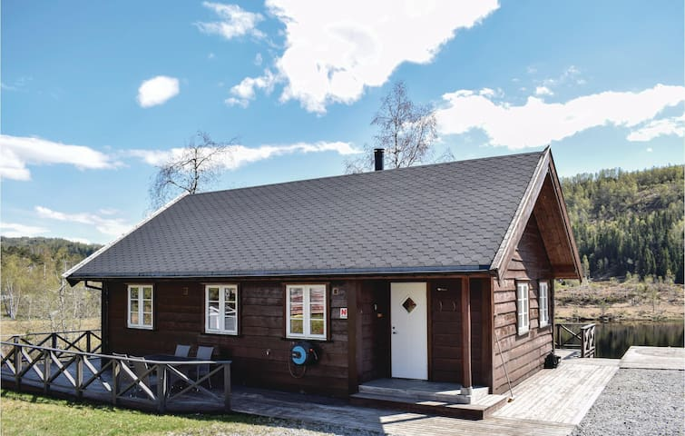 Holiday cottage with 4 bedrooms on 106m² in Norheimsund