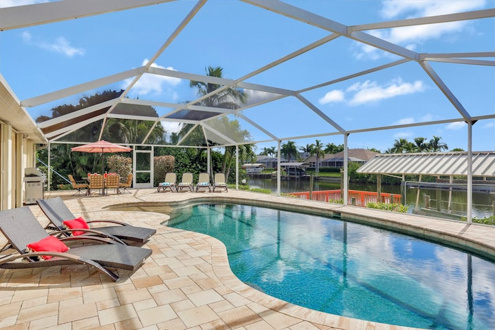 Gulf Access 4/2 with Huge South Facing Pool Deck