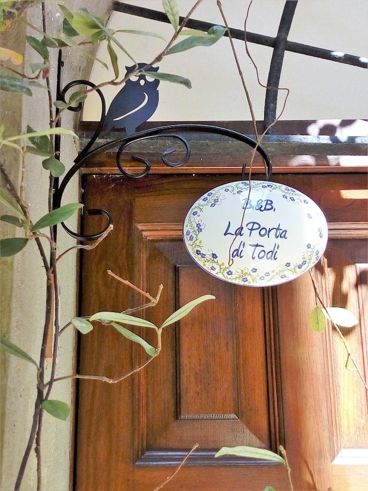 "B&B ""La Porta di Todi"" - Camera Lavanda"