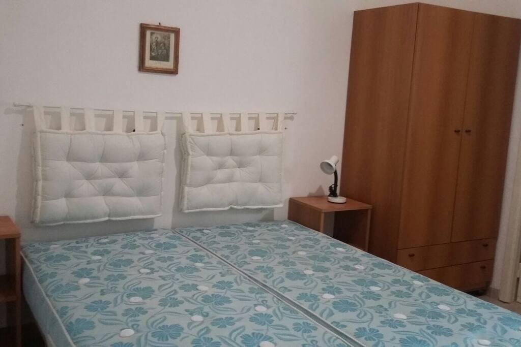 seconda stanza con letto matrimoniale