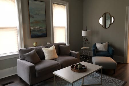 Charming one bedroom near downtown-