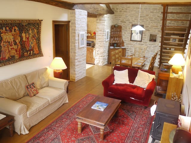 Large 4/5 bedroom village house - Chassey-le-Camp - Dom