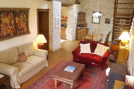 Large 4/5 bedroom village house - Chassey-le-Camp - Haus