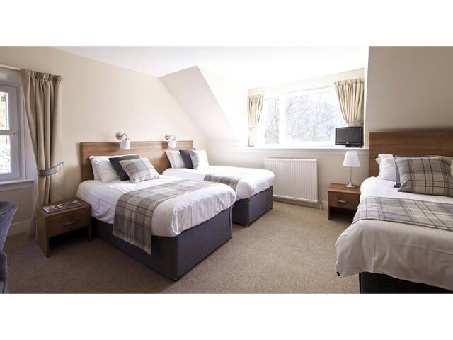 Triple room-Ensuite-Garden View-Triple room