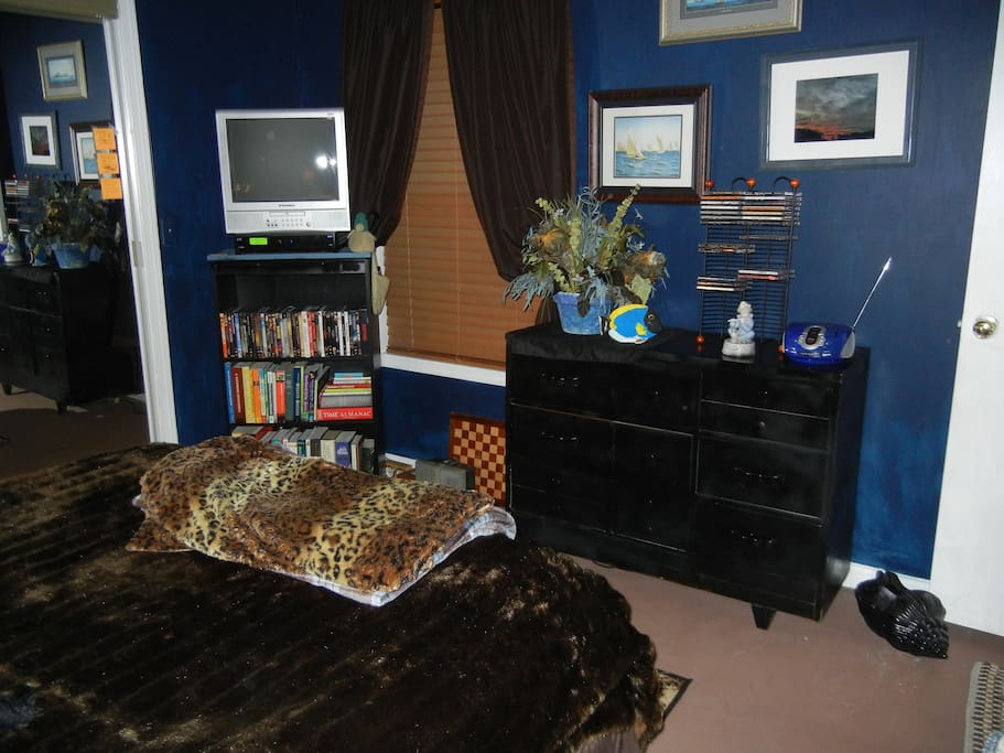 View of some amenities in the bedroom.