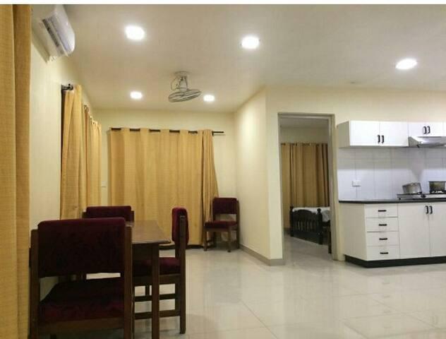 Apartment On its own w/Wi-Fi/Free airpt pick/drop