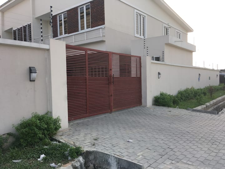MB Suites  Close to Lekki Conservation Park
