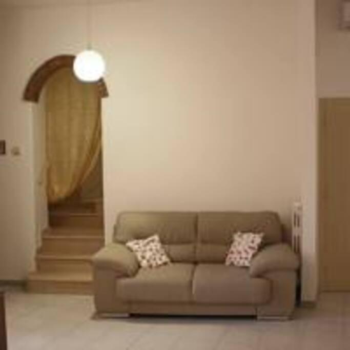 scalinata interna per accesso in terrazzo