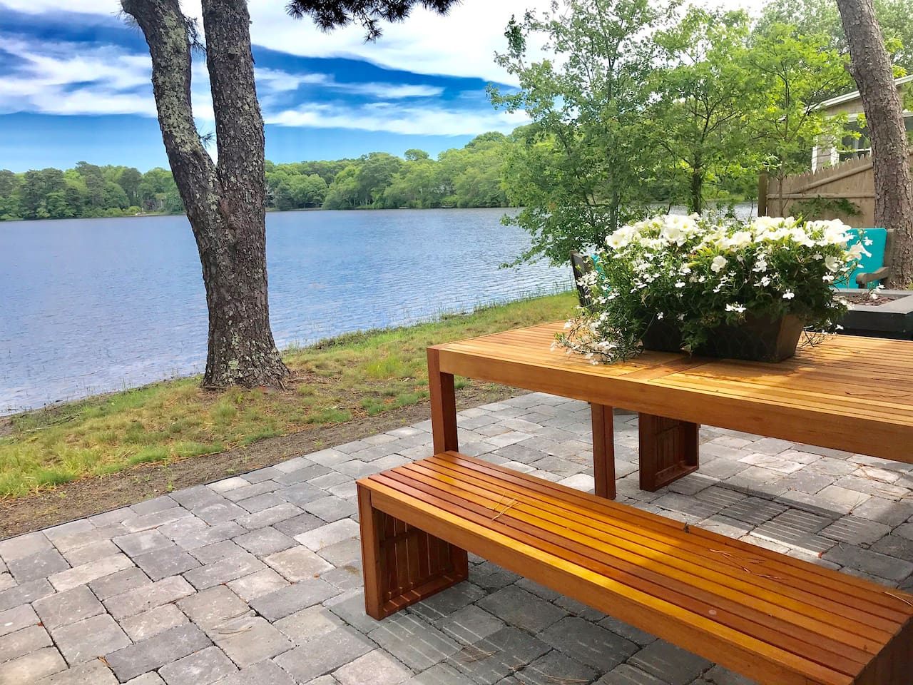 Come experience the serenity and peace at Sunchaser cottage.