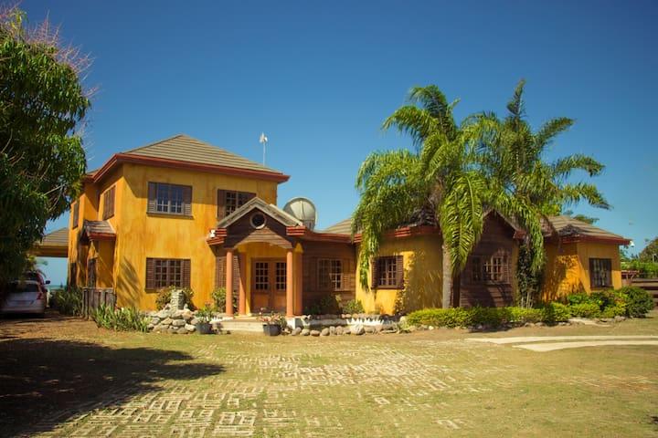 Front view of Villa Serene
