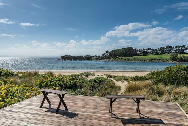 "Vitamin ""Sea"" - Absolute Beachfront House - Cremorne - Hus"