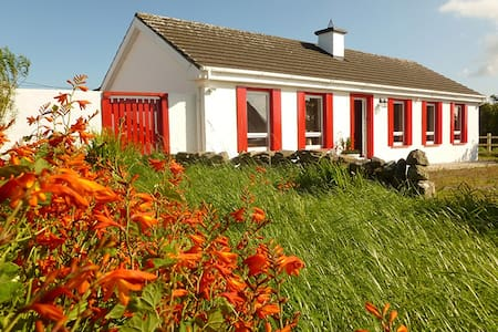 Burren Way Cottage - Cabin