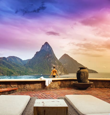 Bouganvilla Suite: Ocean/Piton View w/ Breakfast