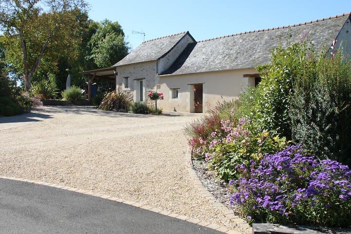 Gite avec piscine chauffée en Anjou - Saint-Augustin-des-Bois