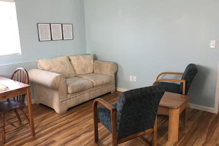 Cozy, Private Apartment - Tremonton - Casa