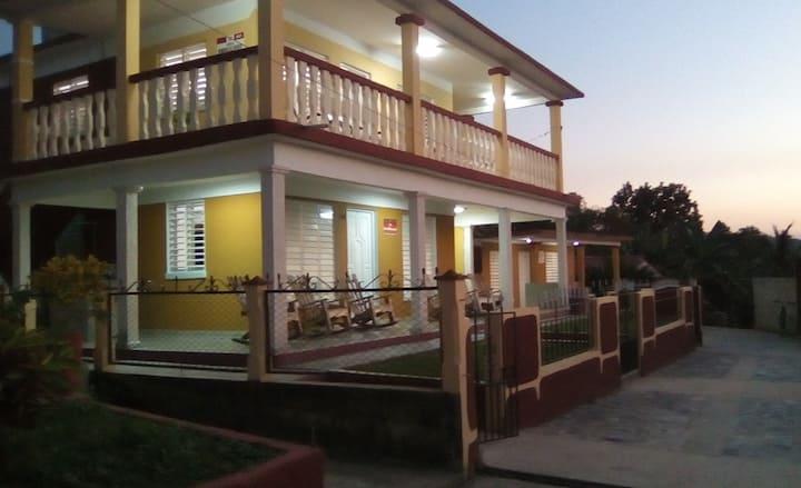 """""""Villa Los Miranda"""" (Habitación Privada)"""