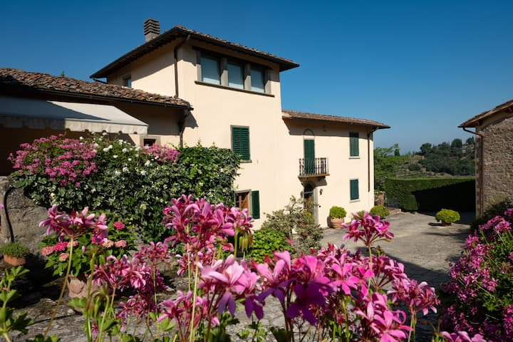 Greve Panoramic villa with a pool