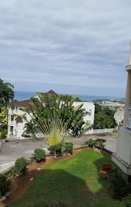 ELEGANT CONDO AWESOME VIEW. - Ocho Rios - Appartement