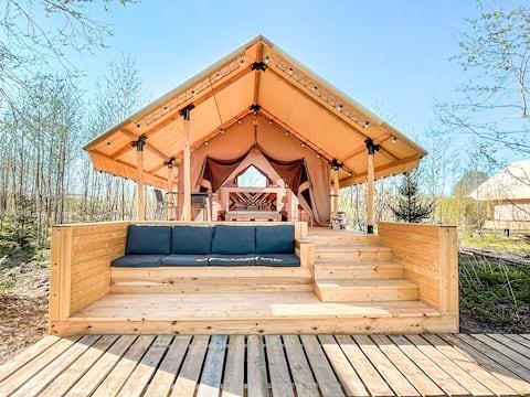 Luxury Safari Tent Facing The River