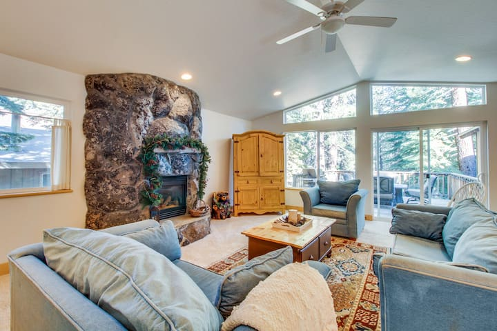 Upgraded family-friendly alpine retreat close to golf, skiing, and lakeside fun