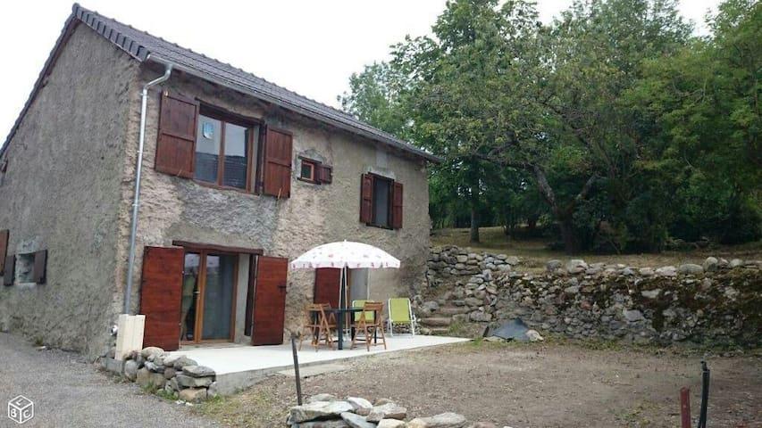 Grange confortable en montagne - Génat - Huis