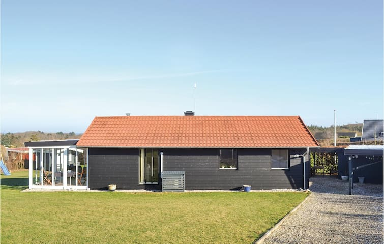 Holiday cottage with 3 bedrooms on 83 m² in Glesborg