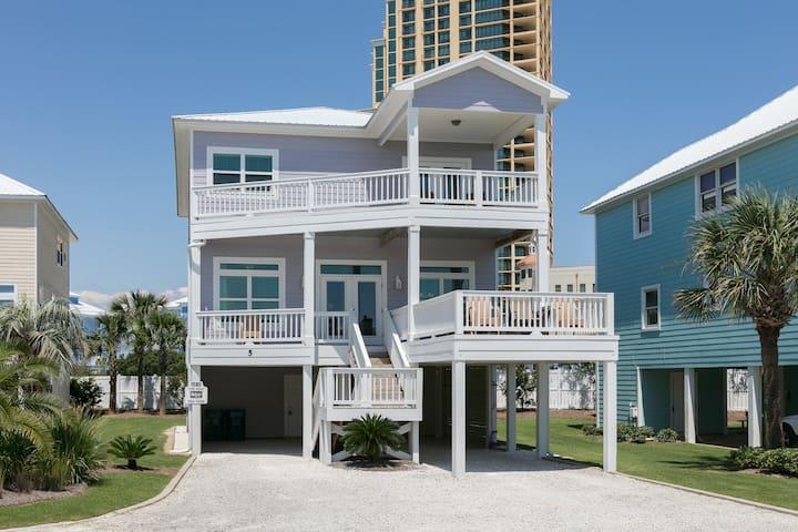 Beach view beach home w/ community outdoor pool, sun deck & private beach