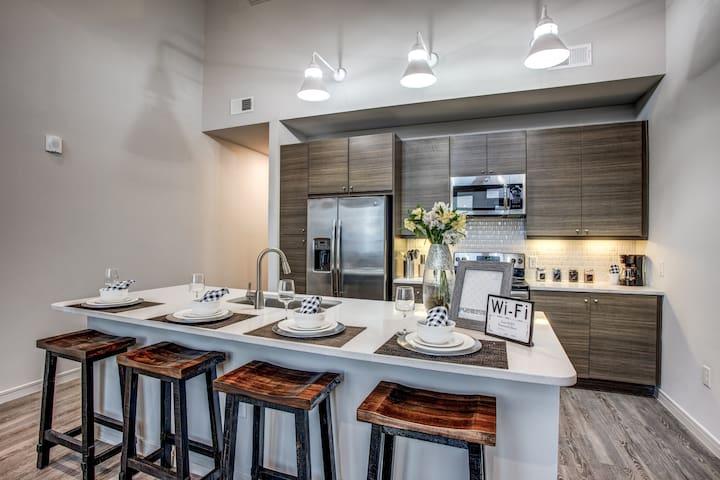 Lofty Penthouse Suite Uptown Dallas-1 Bed | 1 Bath